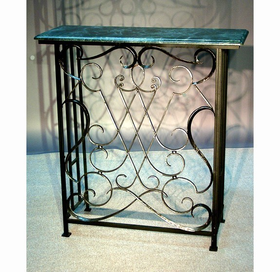 Fire screen / console