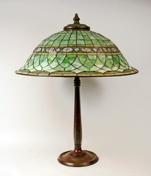 Roman design table lamp