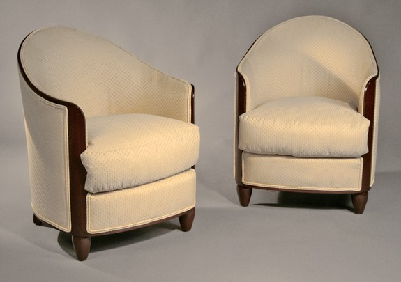 Pair of Club Chairs Furniture